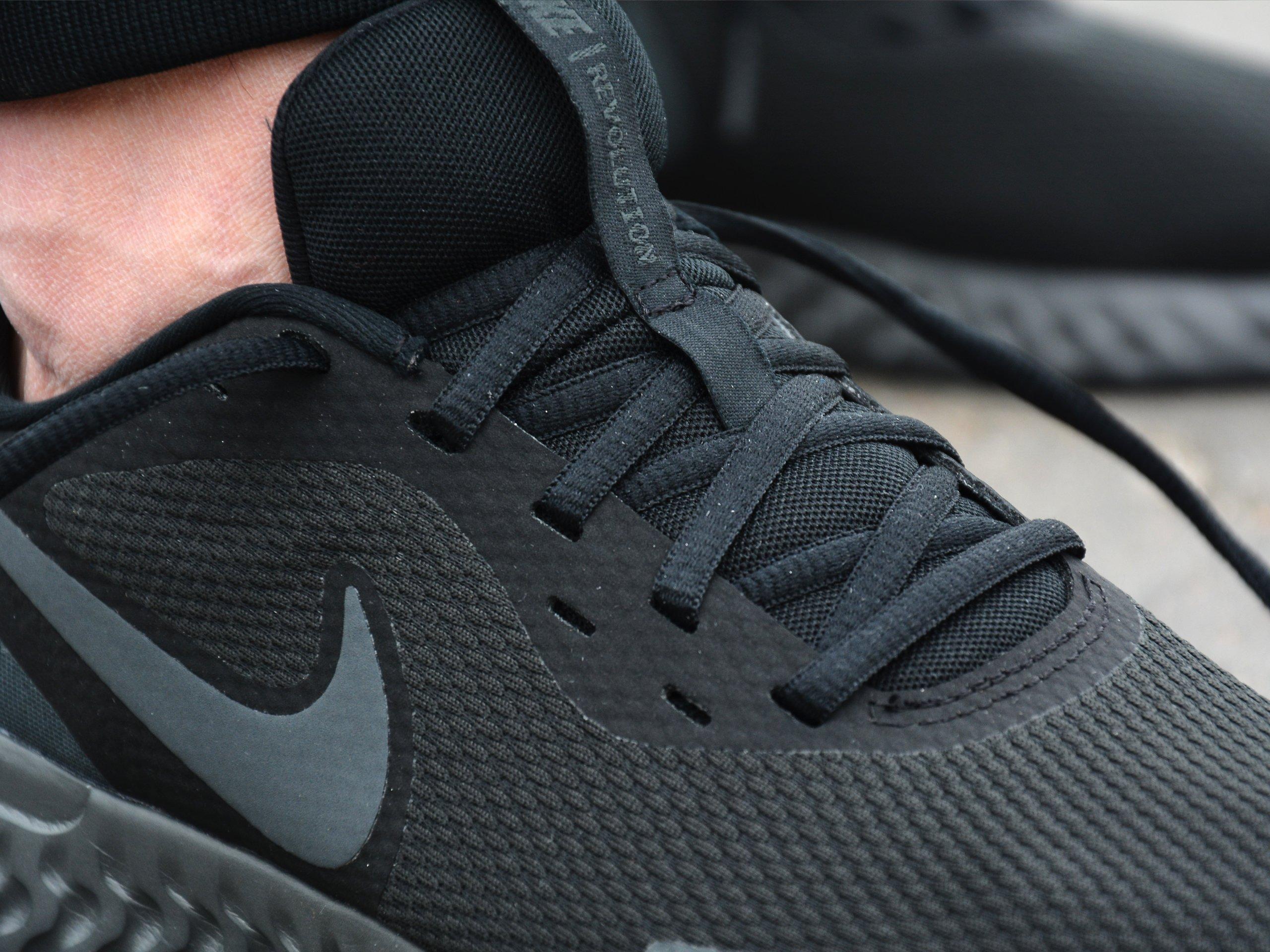 Buty Nike Revolution 5 (BQ3204 001)